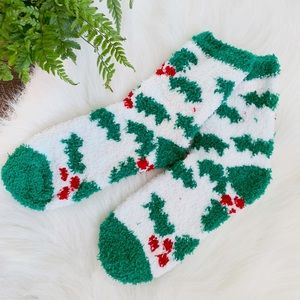 Accessories - Christmas holly socks